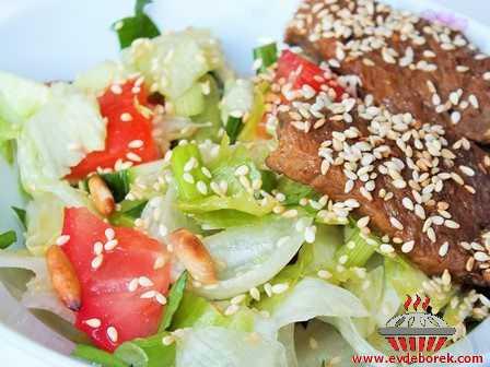 Biftekli Salata