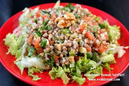 Cevizli Karabuğday Salatası Tarifi