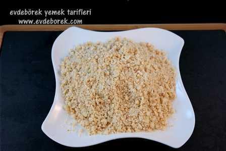 Çilekli Fındıklı Kek Tarifi2