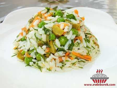 Çin Pilavı (Pirinç Salatası)
