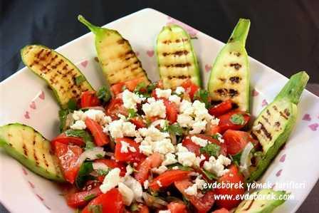 Domatesli Izgara Kabak Salatası Tarifi