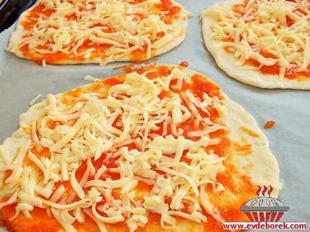 Evde Börek Pizza