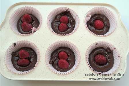 Frambuazlı Çikolatalı Sufle Tarifi