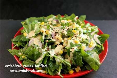 Hardal Soslu Ispanak Salatası Tarifi