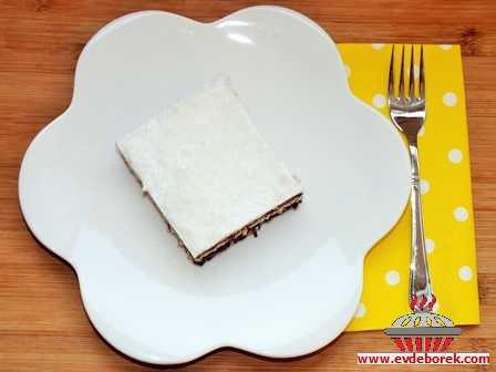 Hindistan Cevizli Bisküvili Pasta