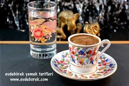 Kakuleli-Türk-Kahvesi-Tarifi2