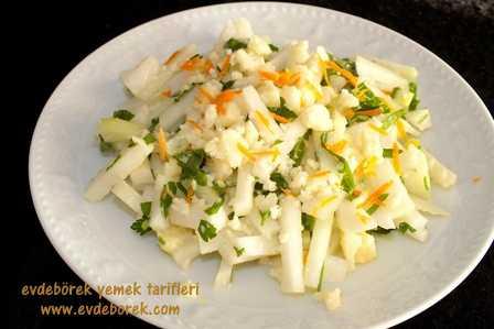 Karışık-Turp-Salatası-Tarifi