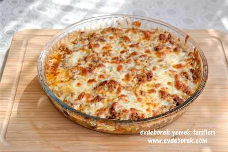 Kaşar Peynirli Patlıcan Musakka Tarifi