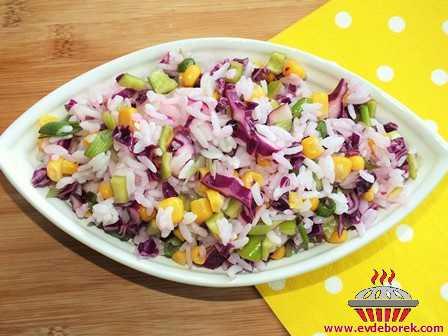 Kırmızı Lahanalı Pirinç Salatası