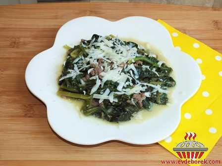 Kıymalı Ispanak Yemeği (Göçmen Yemeği)