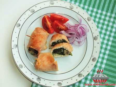 Mantarlı Ispanaklı Tavuk Sarma