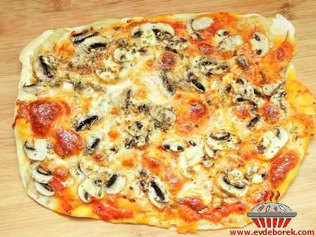 Mantarlı Pizza