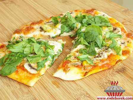 Mantarlı Rokalı Pizza Tarifi
