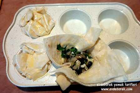 Muffin Kalıbında Ispanaklı Börek Tarifi