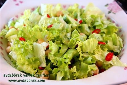 Nohutlu-Yeşil-Salata-Tarifi4