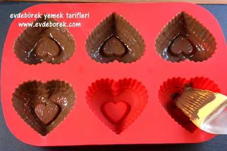 Porsiyonluk-Kalp-Pasta-Tarifi2