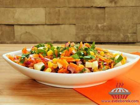 Soğanlı Mısır Salatası