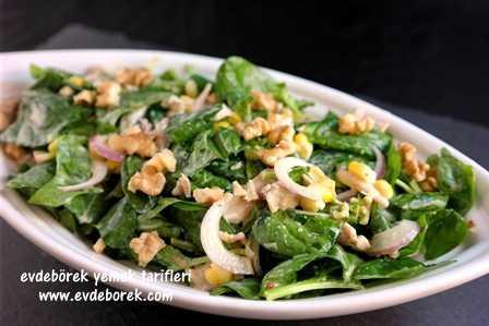 Tavuklu Ispanak Salatası Tarifi