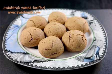 Türk-Kahveli-Cevizli-Kurabiye-Tarifi