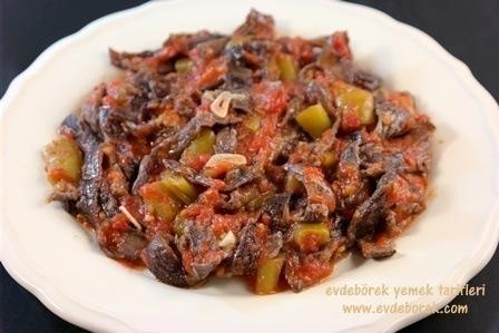 Domates Soslu Kuru Patlıcan Kızartması Tarifi Evdebörek